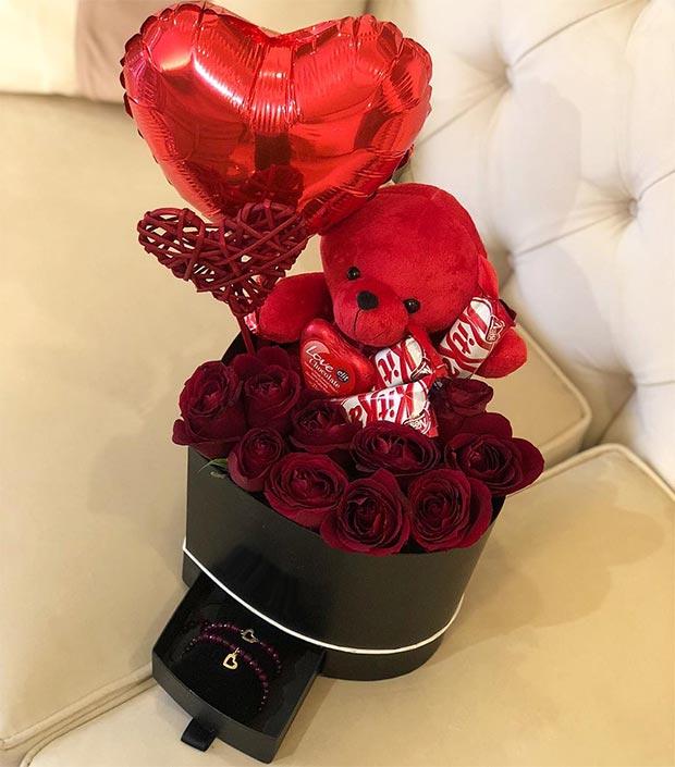 باکس گل قلبی با عروسک