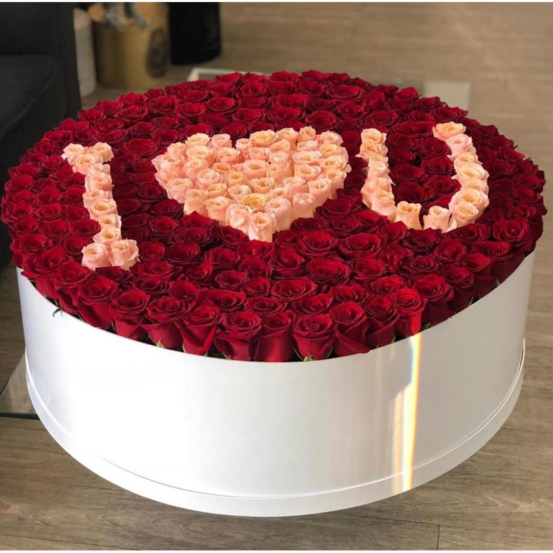 باکس دوستت دارم گل رز