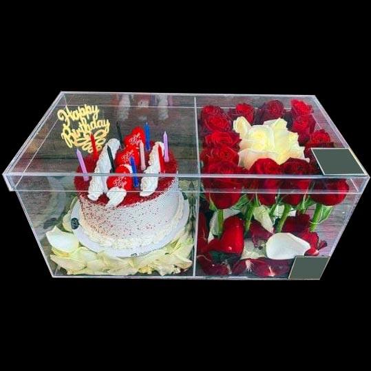 باکس گل رز به همراه باکس کیک