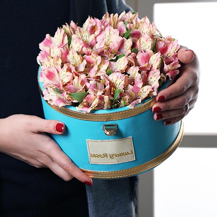 باکس گل هدیه رز و السترومریا