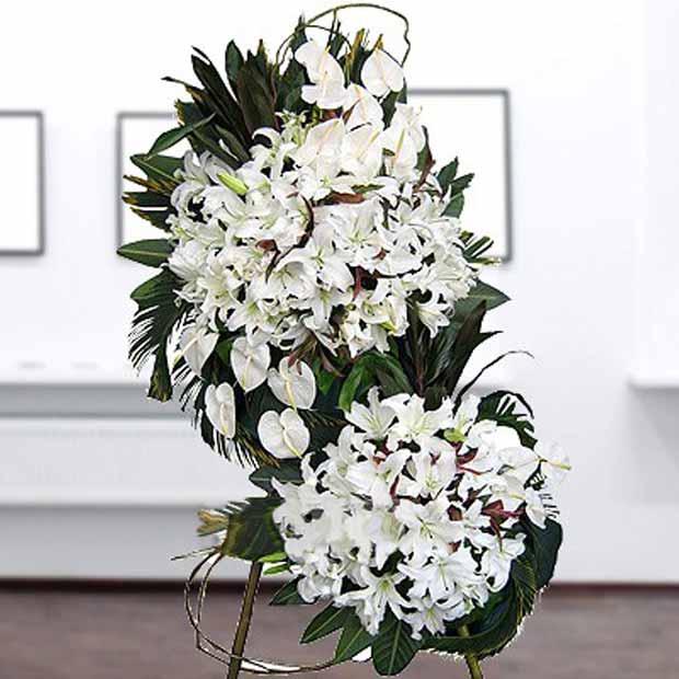 تاج گل آنتریوم و لیلیوم سفید