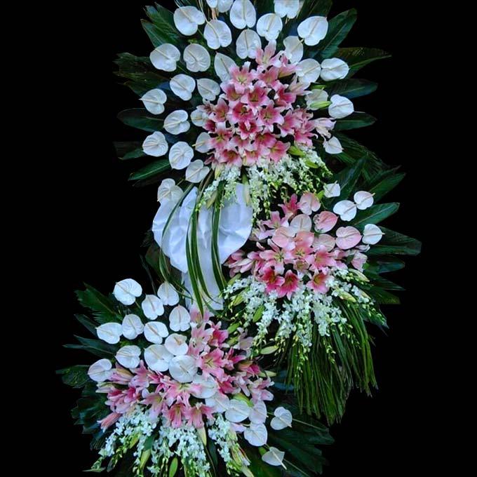 تاج گل تبریک 3 طبقه با گلهای ارکیده