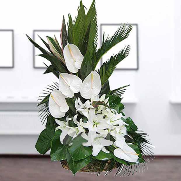 تاج گل ترحیم ساده آنتریوم لیلیوم سفید