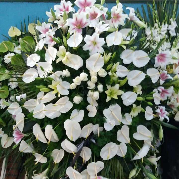 تاج گل ترحیم سفارشی طبیعی