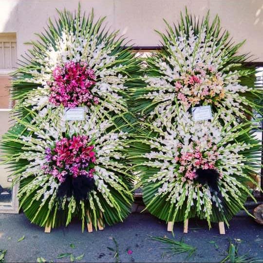 تاج گل مراسم ختم گلایلی دو طبقه