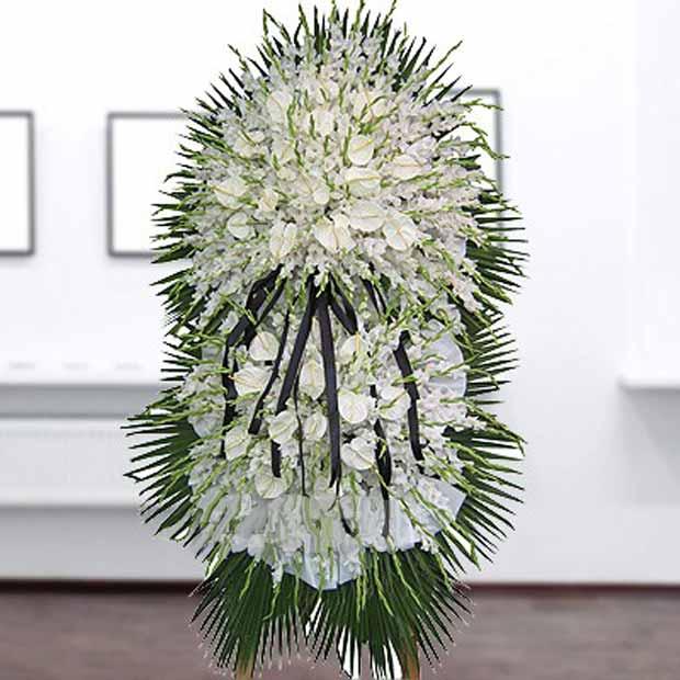 تاج گل گلایل آنتریوم سفید
