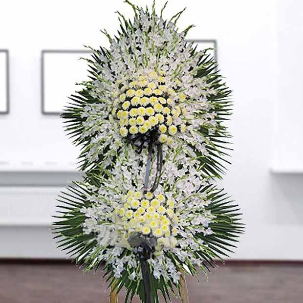 تاج گل گلایل و داودی سفید