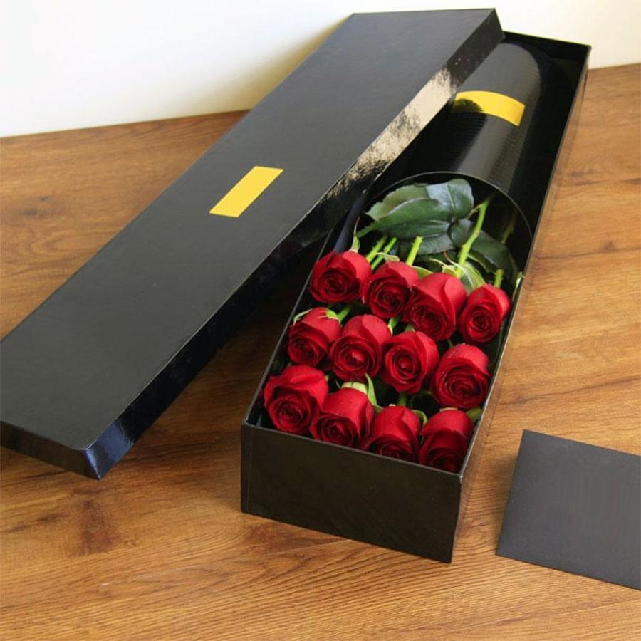 جعبه گل لاکچری ارزان قیمت رز قرمز با جعبه مشکی