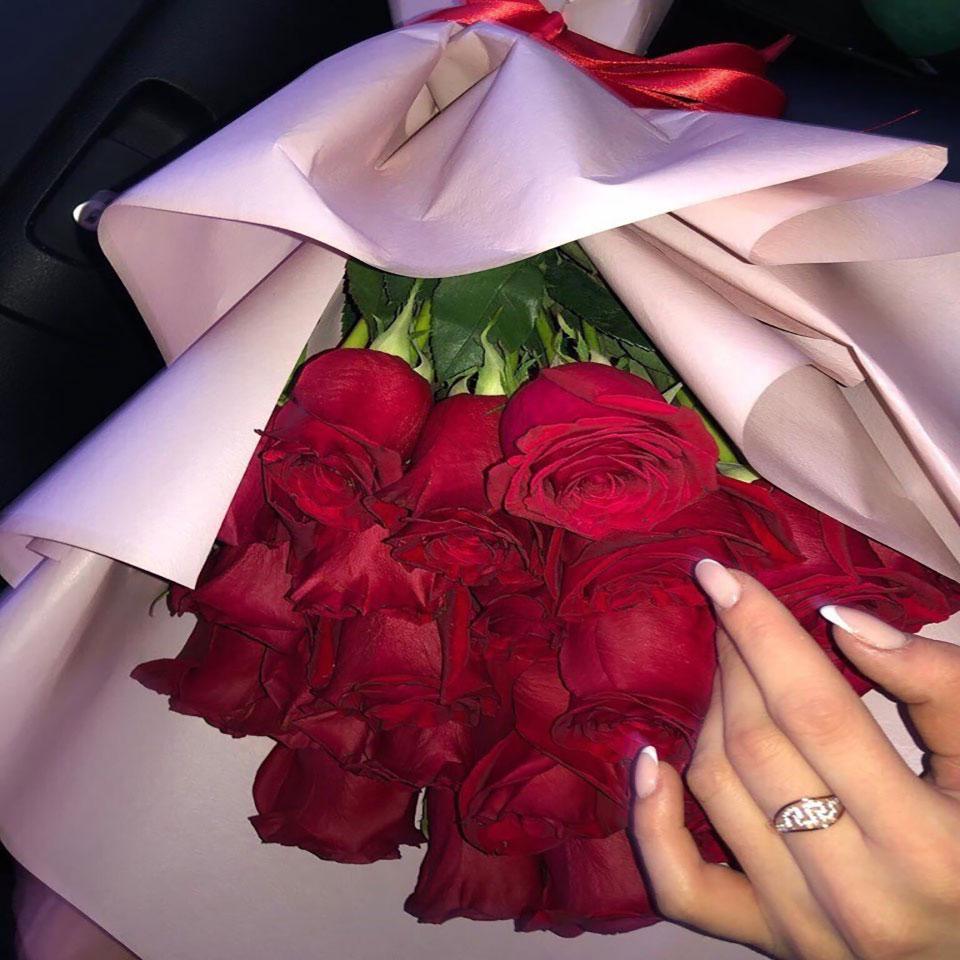 دسته گل عاشقانه برای هدیه به نامزد