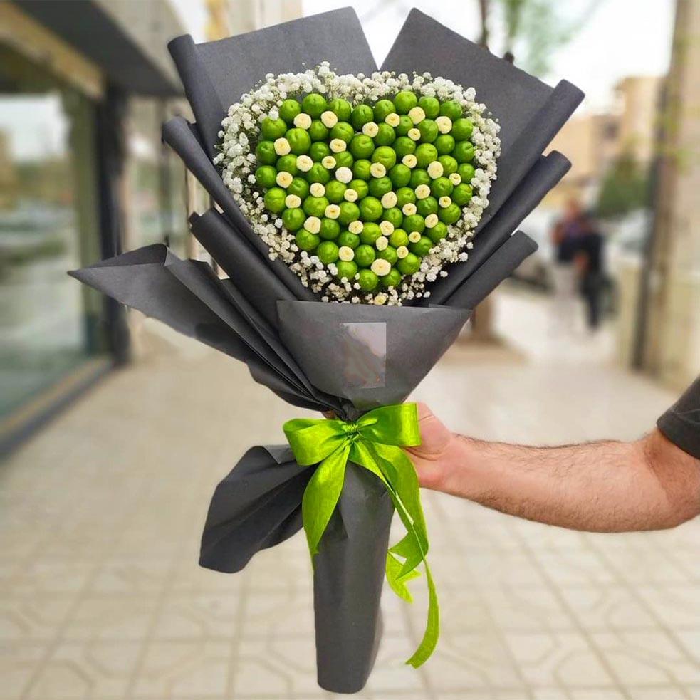 دسته گل با گوجه سبز