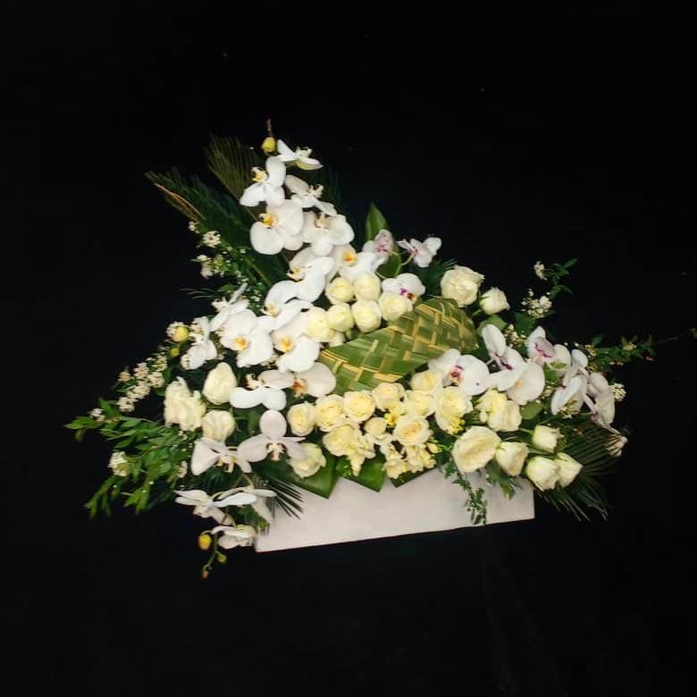 سبد گل ترحیم ارزان برای تسلیت