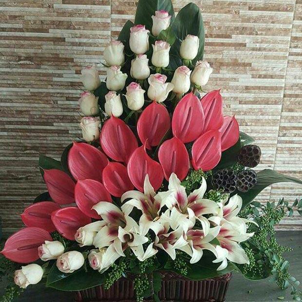 سبد گل خواستگاری بیست شاخه تریم لیلیوم