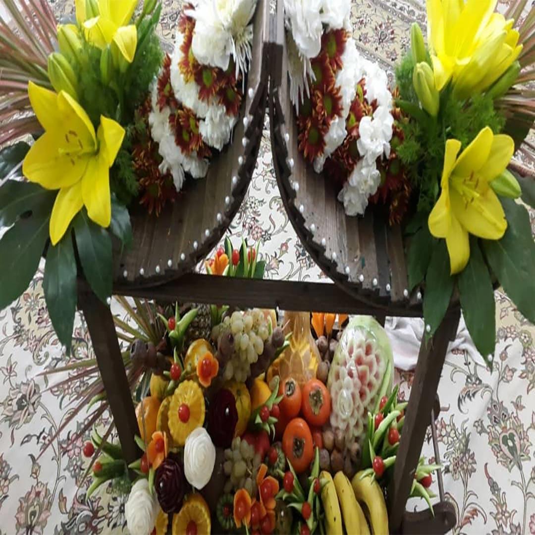 سبد گل خواستگاری چوبی با میوه ایرانی