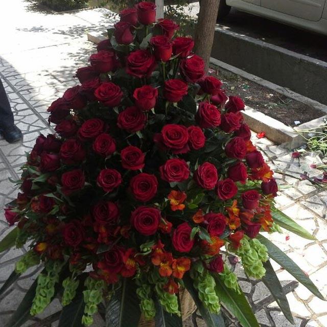 سبد گل رز قرمز بزرگ زیبا برای خواستگاری