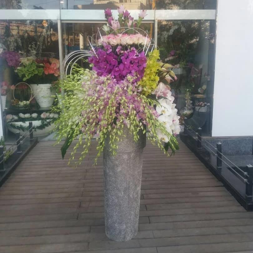 سبد گل نامزدی بله برون فانتزی برای تبریک