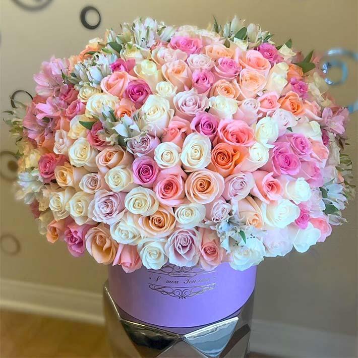 سبد گل هدیه برای تبریک عروسی و تولد نوزاد