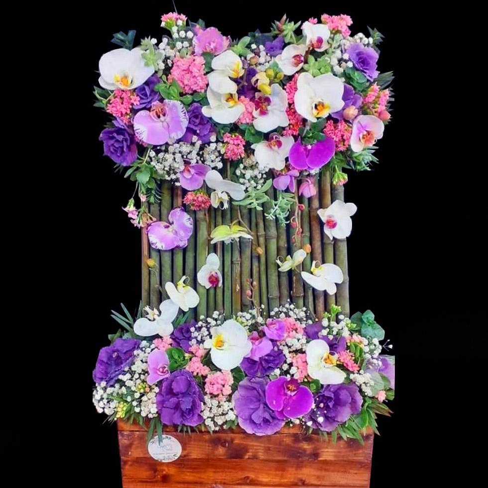 گل ارکیده تزیین شده با نی بامبو