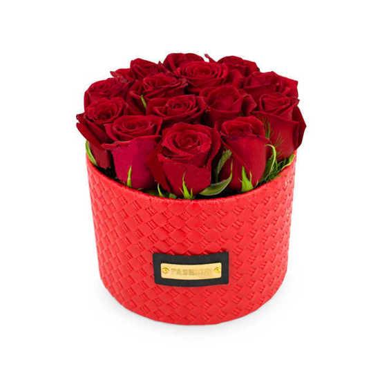 باکس گل رز با تم قرمز